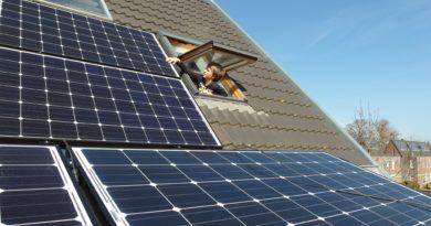 Słońce na dachach czyli jak wziąć urlop od rachunków za prąd